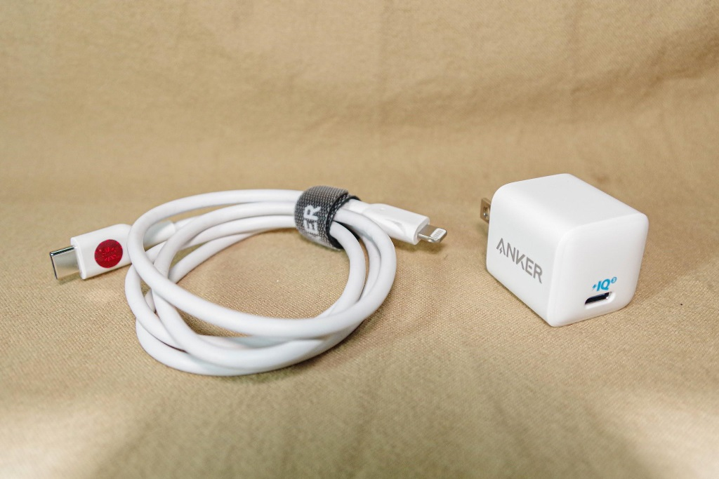 Review cốc sạc Anker siêu tí hon được chứng nhận đạt chuẩn Apple